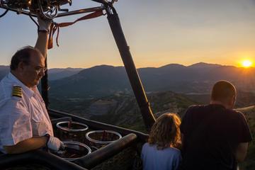 Private Meteora Sunrise Hot-Air Balloon Ride from Kalambaka
