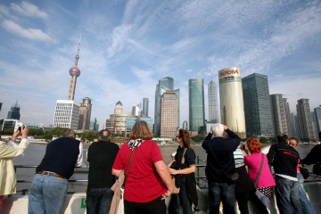 Private Shanghai Day Tour: Shanghai Museum, Yuyuan Garden,The Bund and Huangpu River Cruise