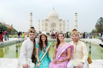 Private Taj Mahal Day-Trip from Delhi in Authentic Indian Dress with Local Family Visit