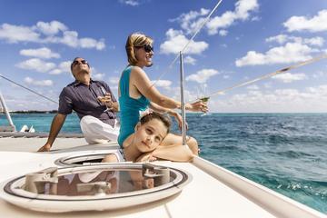 Private Tour: Catamaran Sailing and Snorkeling in Isla Mujeres