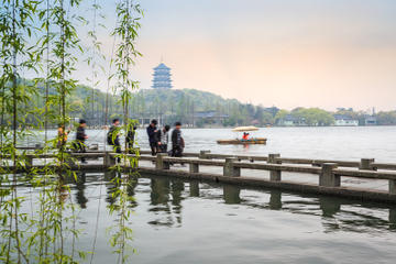 Private Tour: Classic Hangzhou and Tea Culture Day Trip