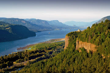 Private Tour: Columbia River Gorge Waterfalls and Wine Tour