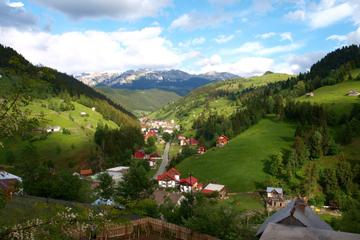 Private Tour: Day Trip to Moeciu de Sus Mountain Village from Brasov