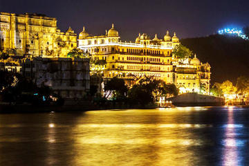 Private Tour: Full-Day Udaipur Day Tour with Boat Ride