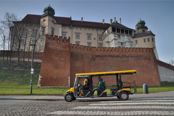 Private Tour: Krakow City Sightseeing by Electric Car