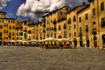 Private Tour: Lucca and Pisa