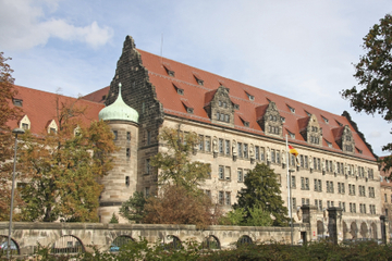 Private Tour: Nuremberg Sightseeing Including Old Town, Rally Grounds and Nuremberg Courthouse