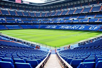 Private Tour: Santiago Bernabeu Stadium and Modern Madrid Sightseeing