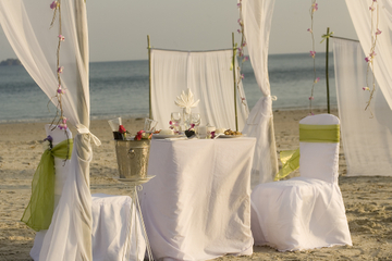 Private Tour: Sunset Cocktail Canapes and Dinner from Krabi