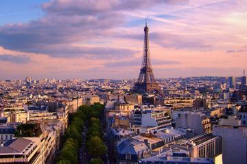 Private tour to visit Paris in a Luxury Car