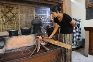 Private Traditional Balinese Cooking Class and Garden Tour in An Ubud Home