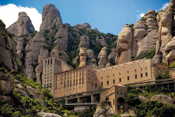 Private Transfer to Montserrat from Barcelona