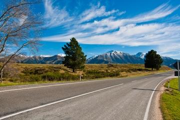 Queenstown to Christchurch via Mount Cook Full-Day Tour