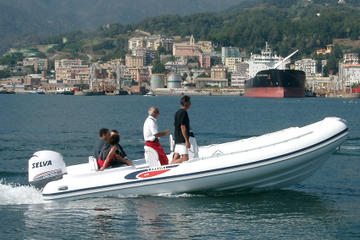 Rent a rigid inflatable boat for up to 12 people in Saint-Tropez - License required