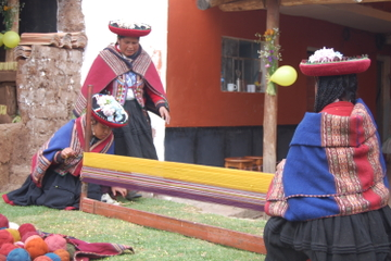 Sacred Valley Private Tour: Chincheros, Ollantaytambo and Pisaq