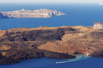 Santorini Volcano Cruise Including Hot Springs, Thirasia and Optional Oia Sunset
