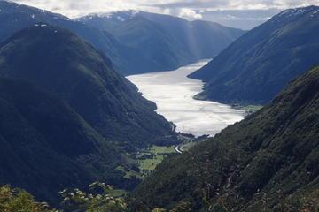 Scenic Mountain Trek to Jostedal Glacier National Park