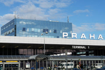 Shared Arrival Transfer: Prague Airport to Hotels