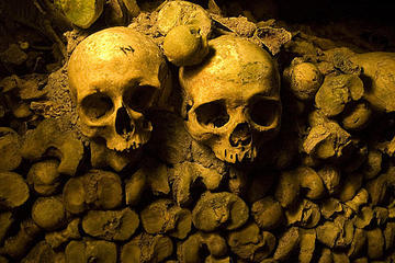 Skip the Line: Catacombs of Paris Small-Group Walking Tour