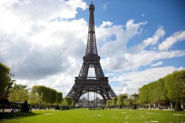 Skip the Line: Eiffel Tower Small-Group Tour Including Summit Access