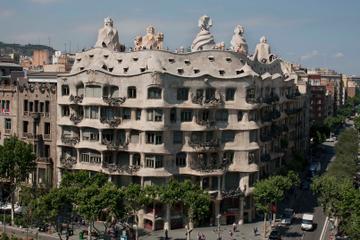 Skip the Line: Gaudi's La Pedrera Audio Tour in Barcelona