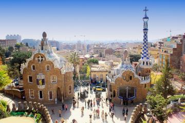 Skip the Line: Gaudi Tour Including La Sagrada Familia, Park Güell, La Pedrera and Casa Batlló
