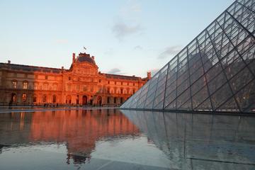 Skip the Line: Louvre and Paris Hidden Gems Walking Tour