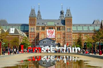 Skip the Line: Van Gogh Museum and Rijksmuseum Tour Including Amsterdam Canals Lunch Cruise