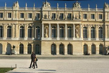 Skip-The-Line: Versailles Gardens Discovery Tour and Palace Fast Access from Paris by Train