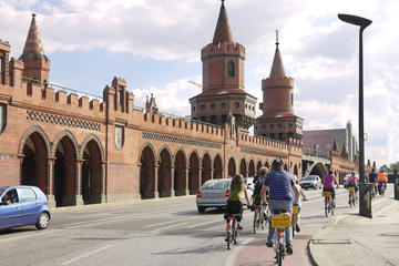 Small-Group Bike Tour of Alternative Berlin
