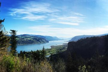 Small-Group Columbia Gorge Tour Including Waterfalls