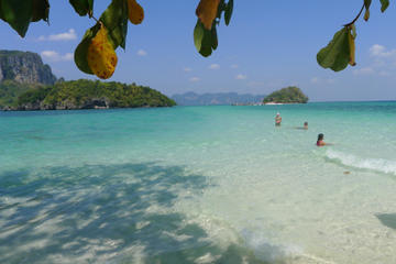 Small-Group Snorkeling and Sunset Tour at Hong Island and 4 Island from Krabi