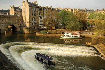 Small-Group Stonehenge, Bath and Salisbury Day Trip plus Champagne Reception