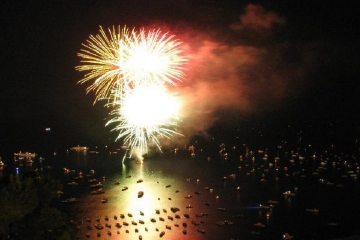 St. Anne Celebration Day, Boat Tour with Dinner and Fireworks in Sorrento