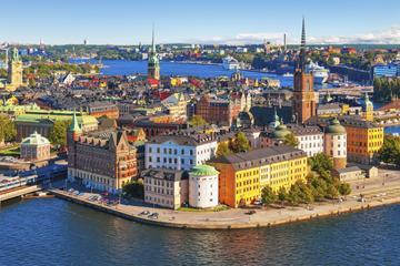 Stockholm Super Saver: Gamla Stan Walking Tour plus Modern Stockholm Walking Tour