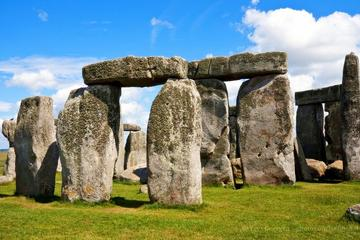 Stonehenge and Windsor Small-Group Tour from London