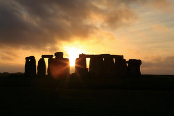 Stonehenge Summer Solstice Tour from London: Sunset or Sunrise Viewing