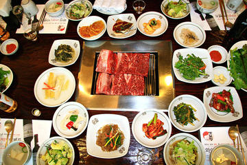 Suwon Sightseeing and Food Tour