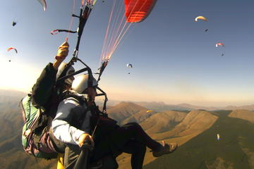 Tandem Paragliding Experience Including Transport from Rome