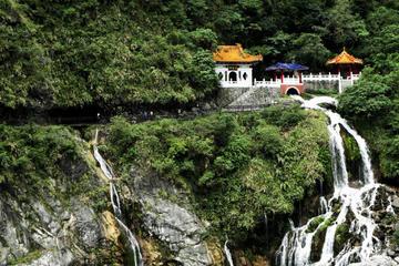 Taroko Gorge Full-Day Tour from Taipei