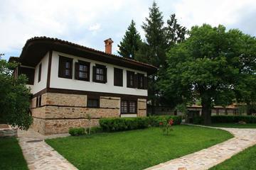 Thracian Treasures and Wine Tastings