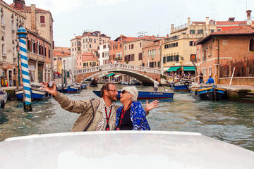 Venice Cruise by Luxury Motorboat: Grand Canal and Basilica of San Giorgio Maggiore