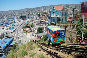 Viña del Mar and Valparaiso Stopover Tour from Santiago International Airport