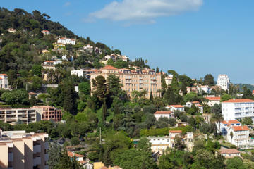 Villefranche Shore Excursion: Small-Group Grasse Perfumery and Nice Wine-Tasting Tour