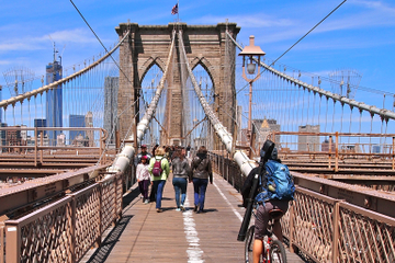 Walking Tour of the Brooklyn Bridge