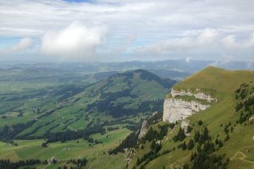 Zurich Super Saver: Swiss Mountains, Cheese and Chocolates Day Trip plus Zurich Highlights Tour